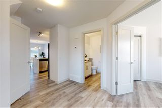 Photo 2: 9713 161 Street in Edmonton: Zone 22 House Half Duplex for sale : MLS®# E4204660