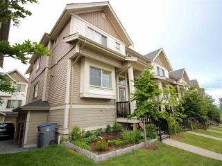 """Photo 2: 14 19097 64 Avenue in Surrey: Cloverdale BC Townhouse for sale in """"THE HEIGHTS"""" (Cloverdale)  : MLS®# R2494259"""