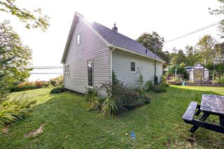 Photo 22: 752 Highway 329 in Fox Point: 405-Lunenburg County Residential for sale (South Shore)  : MLS®# 202019092