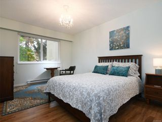 Photo 12: 209 1012 COLLINSON St in : Vi Fairfield West Condo for sale (Victoria)  : MLS®# 859466