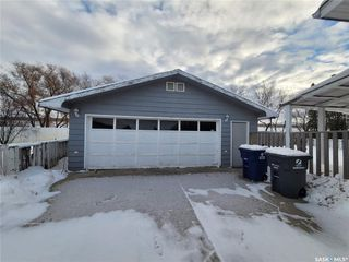 Photo 2: 60 Morris Drive in Saskatoon: Massey Place Residential for sale : MLS®# SK837813