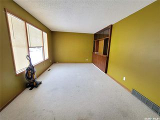 Photo 4: 60 Morris Drive in Saskatoon: Massey Place Residential for sale : MLS®# SK837813