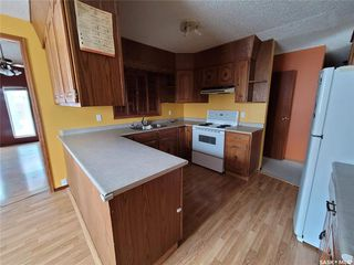 Photo 5: 60 Morris Drive in Saskatoon: Massey Place Residential for sale : MLS®# SK837813