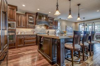Photo 5: 3342 77 Street SW in Calgary: Springbank Hill Detached for sale : MLS®# A1056732