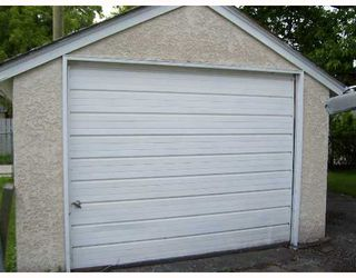 Photo 7: 414 AMHERST Street in WINNIPEG: St James Single Family Detached for sale (West Winnipeg)  : MLS®# 2709306