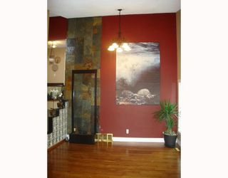 Photo 3: 1055 ABBEYDALE Drive NE in CALGARY: Abbeydale Residential Detached Single Family for sale (Calgary)  : MLS®# C3312404