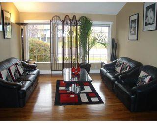 Photo 2: 1055 ABBEYDALE Drive NE in CALGARY: Abbeydale Residential Detached Single Family for sale (Calgary)  : MLS®# C3312404