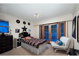 Photo 11: 745 BAYCREST Drive in North Vancouver: Home for sale : MLS®# V1105183