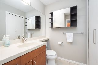 "Photo 12: 502 2655 CRANBERRY Drive in Vancouver: Kitsilano Condo for sale in ""NEW YORKER"" (Vancouver West)  : MLS®# R2428877"