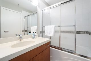 "Photo 10: 502 2655 CRANBERRY Drive in Vancouver: Kitsilano Condo for sale in ""NEW YORKER"" (Vancouver West)  : MLS®# R2428877"