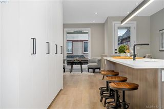 Photo 15: 4 2816 Shelbourne Street in VICTORIA: Vi Jubilee Row/Townhouse for sale (Victoria)  : MLS®# 420103