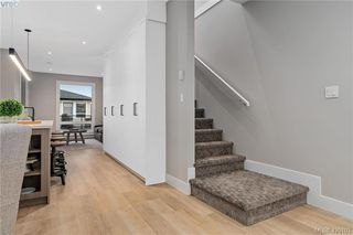 Photo 13: 4 2816 Shelbourne Street in VICTORIA: Vi Jubilee Row/Townhouse for sale (Victoria)  : MLS®# 420103