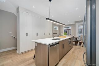 Photo 16: 4 2816 Shelbourne Street in VICTORIA: Vi Jubilee Row/Townhouse for sale (Victoria)  : MLS®# 420103