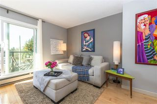 "Photo 2: 203 156 W 21ST Street in North Vancouver: Central Lonsdale Condo for sale in ""Ocean View"" : MLS®# R2438704"