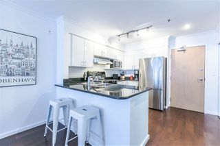 "Photo 3: 500 1226 HAMILTON Street in Vancouver: Yaletown Condo for sale in ""Greenwich Place"" (Vancouver West)  : MLS®# R2454174"
