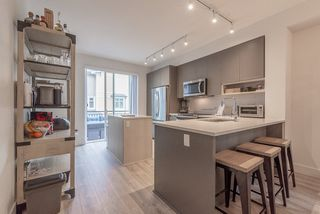 """Photo 12: 6 9718 161A Street in Surrey: Fleetwood Tynehead Townhouse for sale in """"CANOPY"""" : MLS®# R2457524"""