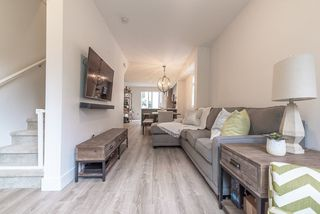 """Photo 10: 6 9718 161A Street in Surrey: Fleetwood Tynehead Townhouse for sale in """"CANOPY"""" : MLS®# R2457524"""
