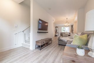 """Photo 8: 6 9718 161A Street in Surrey: Fleetwood Tynehead Townhouse for sale in """"CANOPY"""" : MLS®# R2457524"""