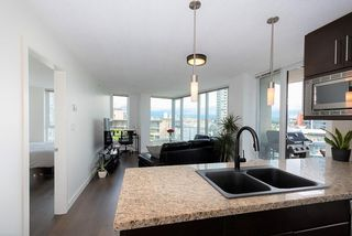 "Photo 4: 1106 188 KEEFER Place in Vancouver: Downtown VW Condo for sale in ""ESPANA"" (Vancouver West)  : MLS®# R2473891"