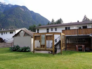 Photo 18: 21044 RIVERVIEW Drive in Hope: Hope Kawkawa Lake House for sale : MLS®# R2474466