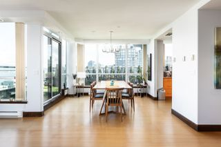 Photo 3: 3802 1328 W PENDER Street in Vancouver: Coal Harbour Condo for sale (Vancouver West)  : MLS®# R2482481