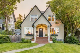 Main Photo: 1433 Shelbourne Street SW in Calgary: Scarboro Detached for sale : MLS®# A1022474