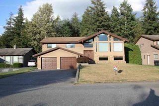 Photo 1: 655 7TH Avenue in Hope: Hope Center House for sale : MLS®# R2493543