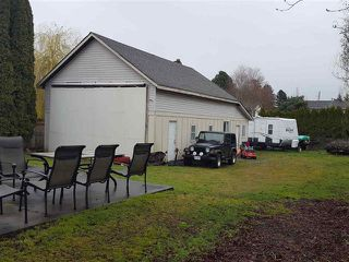 Photo 2: 6066 171A Street in Cloverdale: Cloverdale BC House for sale : MLS®# R2449033