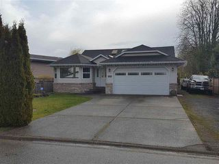 Photo 1: 6066 171A Street in Cloverdale: Cloverdale BC House for sale : MLS®# R2449033