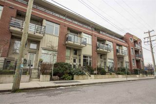 Photo 3: 206 2828 MAIN STREET in Vancouver: Mount Pleasant VE Condo for sale (Vancouver East)  : MLS®# R2240754