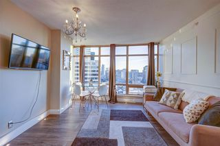 """Photo 3: 1701 1200 ALBERNI Street in Vancouver: West End VW Condo for sale in """"PALISADES"""" (Vancouver West)  : MLS®# R2527987"""