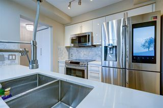 """Photo 11: 1701 1200 ALBERNI Street in Vancouver: West End VW Condo for sale in """"PALISADES"""" (Vancouver West)  : MLS®# R2527987"""