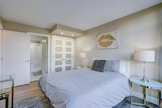 """Photo 18: 1701 1200 ALBERNI Street in Vancouver: West End VW Condo for sale in """"PALISADES"""" (Vancouver West)  : MLS®# R2527987"""