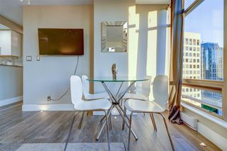"""Photo 8: 1701 1200 ALBERNI Street in Vancouver: West End VW Condo for sale in """"PALISADES"""" (Vancouver West)  : MLS®# R2527987"""