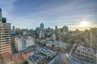 """Photo 25: 1701 1200 ALBERNI Street in Vancouver: West End VW Condo for sale in """"PALISADES"""" (Vancouver West)  : MLS®# R2527987"""