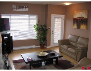 """Photo 2: 106 18701 66TH Avenue in Surrey: Cloverdale BC Townhouse for sale in """"ENCORE AT HILLCREST"""" (Cloverdale)  : MLS®# F2728531"""