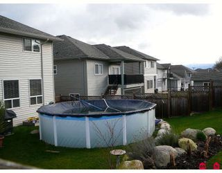 Photo 2: 34148 AMBLEWOOD Place in Abbotsford: Poplar House for sale : MLS®# F2811714