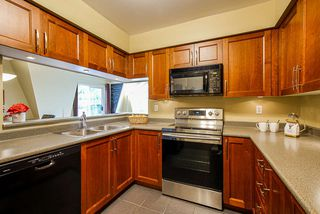 """Photo 3: 126 217 BEGIN Street in Coquitlam: Maillardville Townhouse for sale in """"PLACE FONTAINEBLEAU"""" : MLS®# R2404944"""