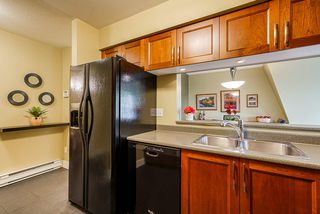 """Photo 4: 126 217 BEGIN Street in Coquitlam: Maillardville Townhouse for sale in """"PLACE FONTAINEBLEAU"""" : MLS®# R2404944"""