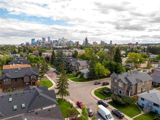 Photo 2: 2107 1 Avenue NW in Calgary: West Hillhurst Detached for sale : MLS®# C4271300
