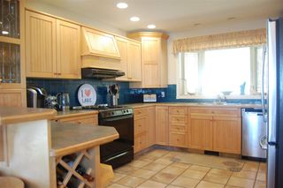 Photo 3: 483 GREEN LAKE S Road: 70 Mile House House for sale (100 Mile House (Zone 10))  : MLS®# R2456030