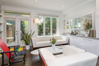 Photo 3: 1818 E GEORGIA STREET in Vancouver: Grandview Woodland Townhouse for sale (Vancouver East)  : MLS®# R2461279