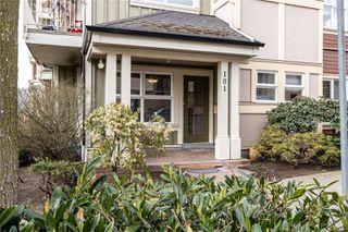 Photo 1: 101 870 Short St in : SE Quadra Condo Apartment for sale (Saanich East)  : MLS®# 850977