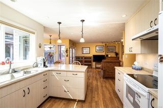 Photo 5: 2371 Brethour Ave in : Si Sidney North-East House for sale (Sidney)  : MLS®# 854886
