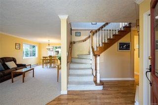 Photo 3: 2371 Brethour Ave in : Si Sidney North-East House for sale (Sidney)  : MLS®# 854886
