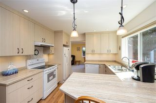 Photo 12: 2371 Brethour Ave in : Si Sidney North-East House for sale (Sidney)  : MLS®# 854886