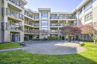 Photo 1: 212 15168 19 AVENUE in THE MINT: Sunnyside Park Surrey Home for sale ()  : MLS®# R2353229