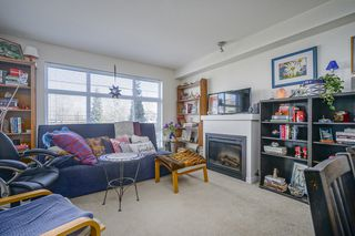 Photo 6: 212 15168 19 AVENUE in THE MINT: Sunnyside Park Surrey Home for sale ()  : MLS®# R2353229