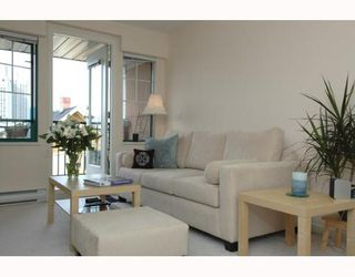 Photo 1: 407 929 W 16TH Ave in Vancouver: Fairview VW Condo for sale (Vancouver West)  : MLS®# V641745