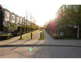 Photo 8: 6781 VILLAGE GR in Burnaby: Condo for sale : MLS®# V825832